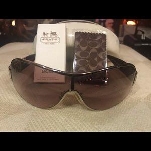 Coach Sunglasses & Accessories